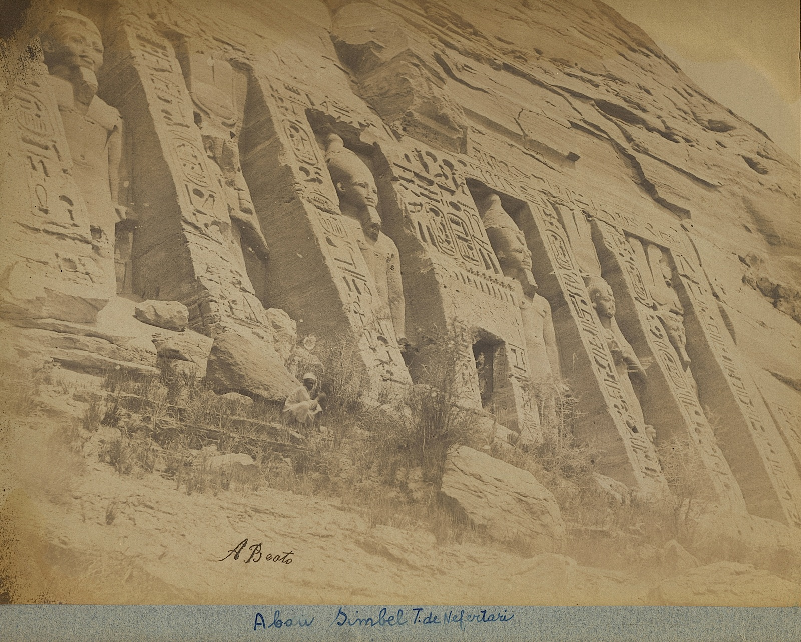 3-Beato-Abou Simbel-Temple de Nefertari