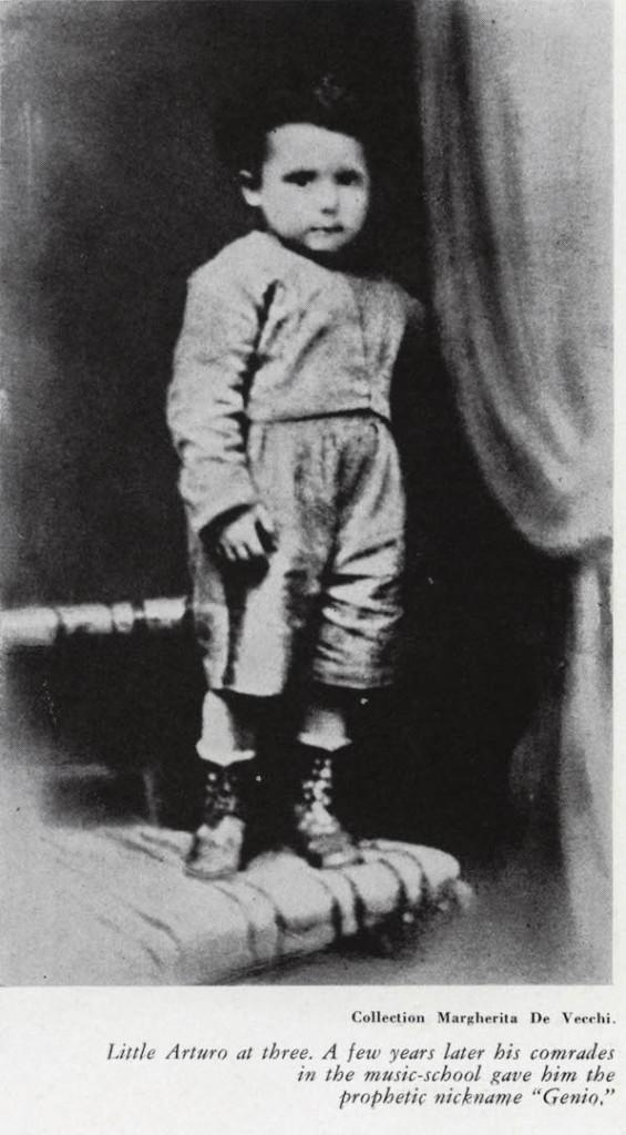 """Il piccolo Arturo a 3 anni. Qualche anno dopo i suoi compagni di scuola lo soprannominarono, profeticamente, """"Genio""""."""