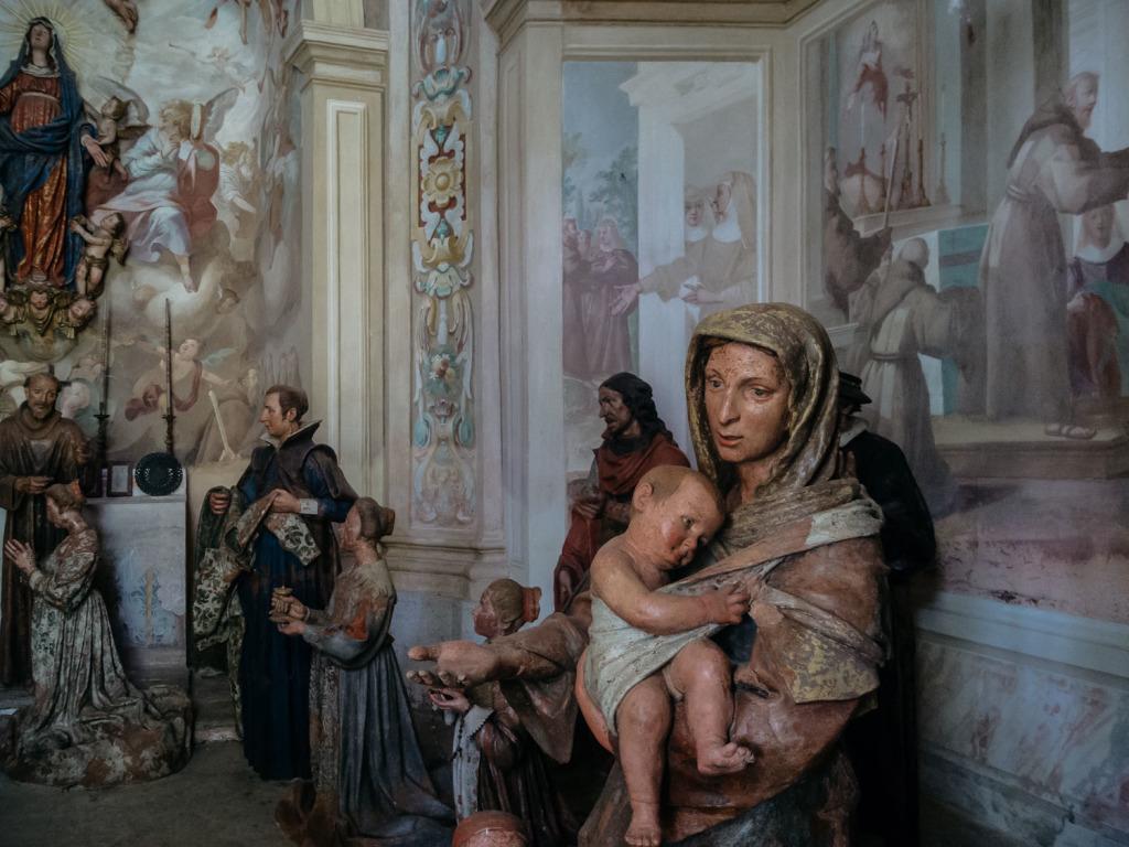 chapel IX • the dressing of Saint Clare cappella IX • la vestizione di Santa Chiara