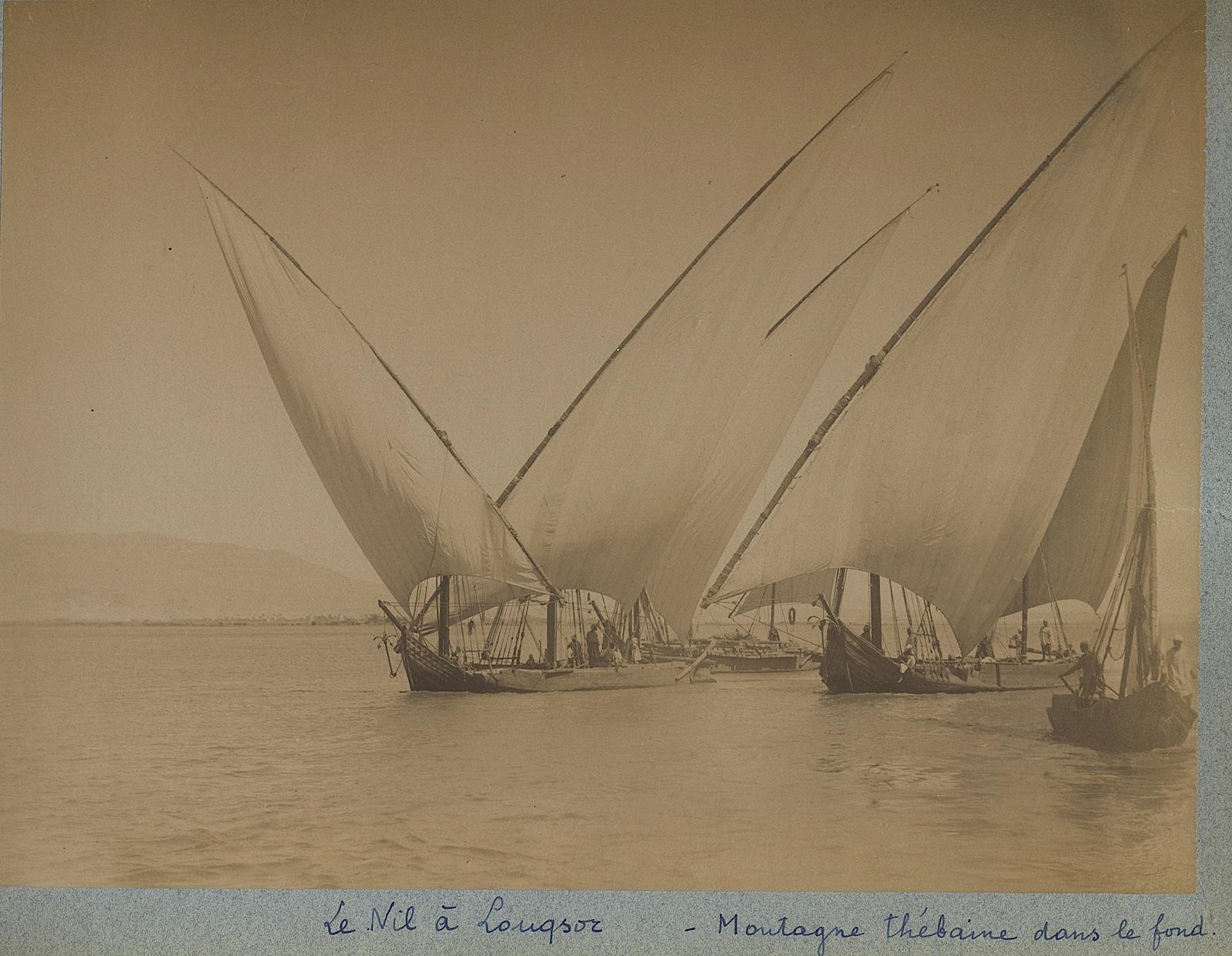 112-Beato-Le Nil a Louqsor et la Montagne Thébaine dans le fond