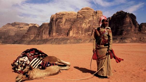 BREAK GIORDANIA ON A CAMEL? Jordan, Wadi Rum. Even the ships of the desert sometimes expect a mooring.