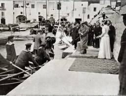 L'imperatore Guglielmo all'imbracadero dell'isola di Capri (1904) - The Emperor Wilhelm II at the jetting of the island of Capri (1904)